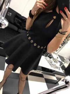Čierne šaty so slzou a krajkovou aplikáciou na chrbte Paparazzi fashion.  empty d81204112d3